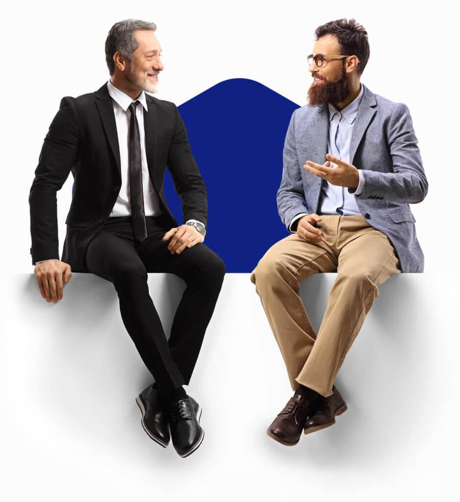 Digimarkkinointipäällikkö sekä asiakas keskustelevat